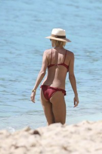 Victoria Silvstedt sexy ass