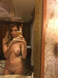 Ana Laspetkovski pussy selfie