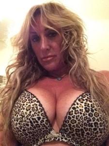 Carrie Michalka leaked bra