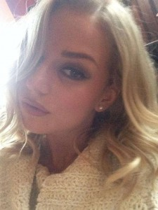 Holly Erika Eriksson selfie