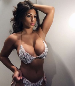 Kayleigh Morris sexy bikini