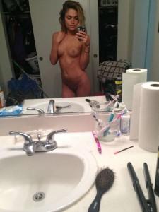 Kelsey Laverack nude selfie