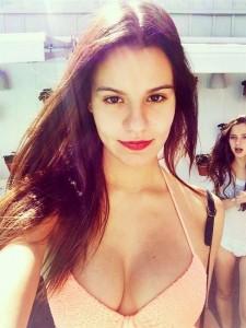 Madison Reed selfie