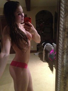 McKayla Maroney selfie naked