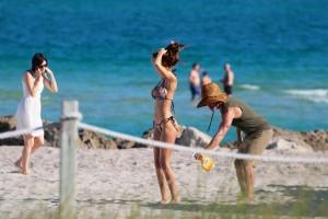 Sonia Sarpe sexy bikini